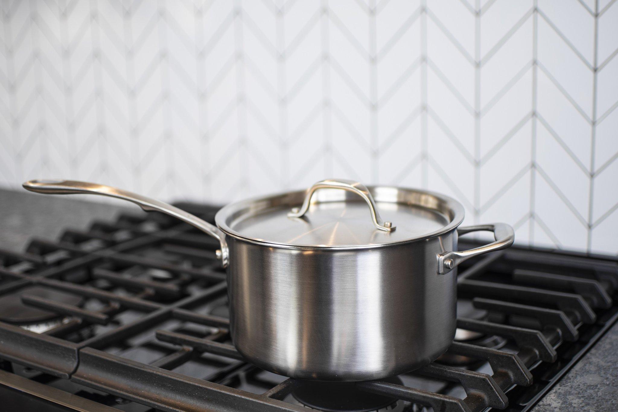 saucepans-for-kitchen